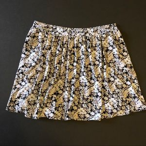 LC Lauren Conrad Floral Skirt w/ Pockets
